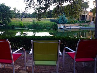 Peaceful Lake House!  Great For Family, Romantic Getaway, Or Couples Trip!