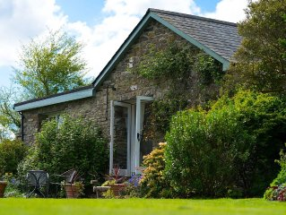 Charming Cottage With Beautiful Private Garden And Countryside Views