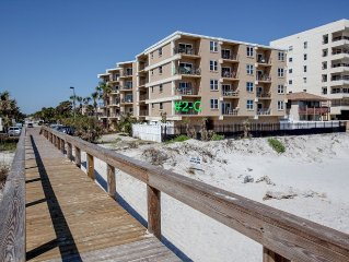 LAST MINUTE DEAL$! DIRECT Oceanfront SE Corner Unit w Private Balcony (+ Elev)