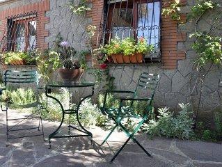 Appartamento in villa nel cuore dei Castelli Romani : Wi-Fi, parcheggio interno.