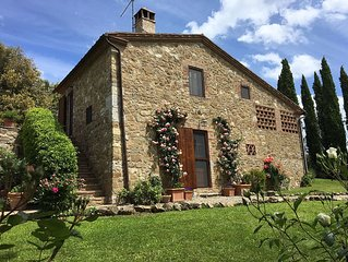 Enchanting Private Villa in Chianti Rolling Hills, Pool, Exclusive Arceno Estate