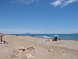 Climatisee, proche de la plage dans residence fermee avec piscine
