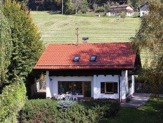 Freistehendes Ferienhaus in unverbauter Südhanglage in ca.1000qm Garten
