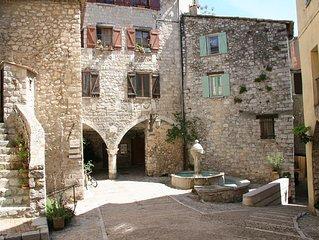 Appartement climatise  au coeur d'un petit village aux portes de Monaco