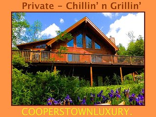 Very Private Log House Hot Tub, Outdoor Wood Burning Fireplace, Spotlessly Clean