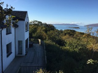 Stunning Coastal House near Oban views of Jura & Mull, 4 bed escape