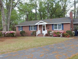 House In City But Feels Like Woods.  Just Miles From Camp Lejeune And Beaches