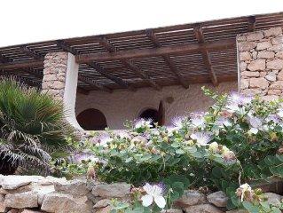Villa delle Maschere a Cala Creta