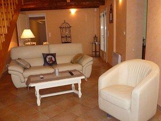 Maison a Roussillon avec jardin et terrasse, calme et vue sur le Luberon