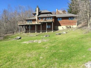 Brigadoon-3BR Timber Frame, Central Location, Hiking, Fishing, Near Boone and B