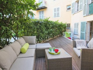 Romantic and quiet apartment with large terrace for rent in Nice old town