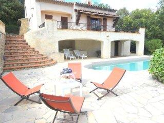 Belle villa de vacances dans un domaine prive du Haut Var