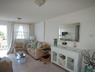 Lovely Affordable 2 Bedroom Condo in Great South Coast Location