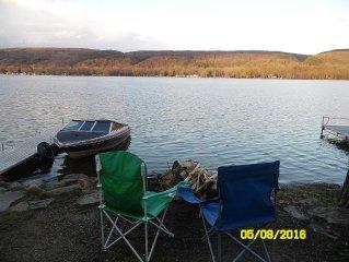 4 SEASONAL Beautif view and Lakefront cottage Honeoye Lake.