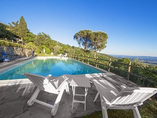 Modern 2br Apartment √ Wifi,  A/C, with panoramic Pool, in Florence Countryside