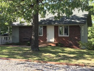 1 Mi. From Silver Dollar City Theme Park, Cozy, Convenient, Comforable, Low-cost