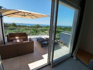 Penthouse Wohnung mit Dachterrasse in erster Reihe am Meer und freiem Meerblick