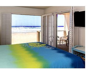 Ocean Front Condo w/Large Private Balcony