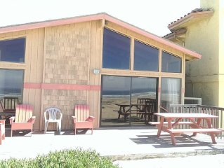 OCEANFRONT~ SLEEPS 14 - DISCOUNT AVAILABLE FOR 7 NIGHTS OR MORE.