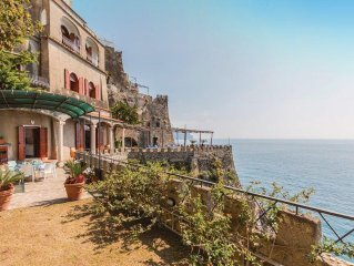 2 bedroom accommodation in Ravello SA