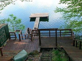 Lakefront Cabin on Lake Nantahala, Wi-Fi, Canoe/Kayak (Sleeps up to 9)