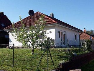 Schones Ferienhaus in ruhiger Waldlage.250m zum Naturstrand,Familienfreundlich