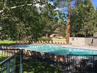 Mt. Bachelor Village Condo,  Pool & Hot Tub, Minutes to Mountain, River & Trails