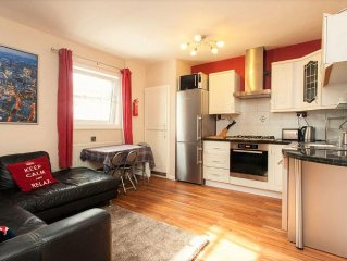 Luxury Apartment in the heart of the City, 4 Double Bedrooms -Incredible Views!
