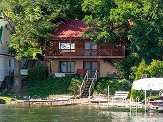 Pelican Cabin - Charming Lakeside Log Cabin Close to Penn Yan