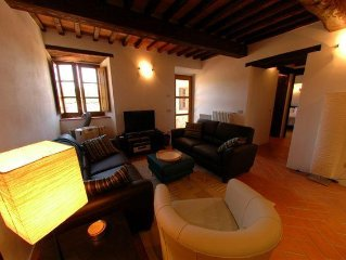 2BR Villa Apartment In Heart Of Chianti W/Optional Vespa Scooters