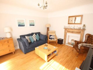 Close to the sea with parking, just 1 minute from the beach (sleeps 2+2)