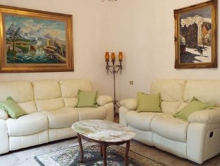 Stunning and Enormous 3 Bedroom Apt. in Historical Center of Montepulciano