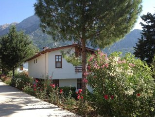 MOUNTAIN VILLA WITH POOL AND SPECTACULAR VIEWS IN COASTAL NATIONAL PARK