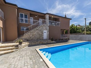 Modern apartment with common pool and barbecue for 4- 6 persons