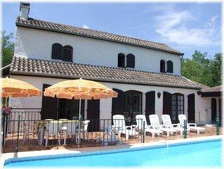 Maison indépendante avec piscine et Boulodrome pour 12 personnes