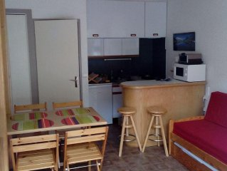 STUDIO 4 pers, near the village center and telele