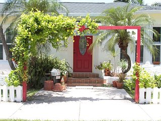 Charming 2 BR Cottage, Blocks from Beach & Downtown Hollywood, Pets OK