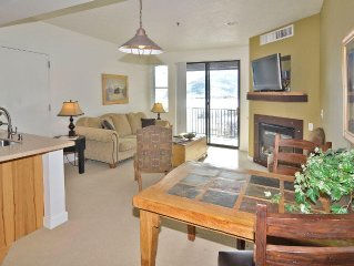 Beautifully  Condo,  With Gorgeous Views, Fireplace, Pool Spa