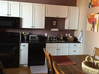 South Haven Loft Walking Distance To Town!!!