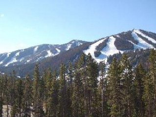 Luxury 4 Bedroom Townhouse--Great Views!  Across From Slopes!