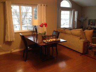 Bright, Cozy, Centrally Located Bungalow 30 Minutes From Vancouver Or Whistler!
