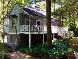 Lake Summit Nest, peaceful retreat with dock & boathouse on cool, green lake