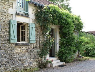 Romantic & Tranquil Cottage close Chenonceau, Amboise nr Loire Valley chateaux