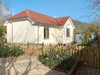 1 bedroom property in Sidmouth. Pet friendly.