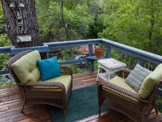 Creek Front Cottage in Oak Creek Canyon!