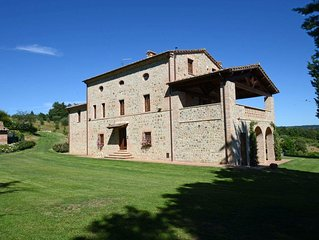 BOOK NOW YOUR NEXT HOLIDAY!!! - Extraordinary Tuscan Villa With Swimming pool