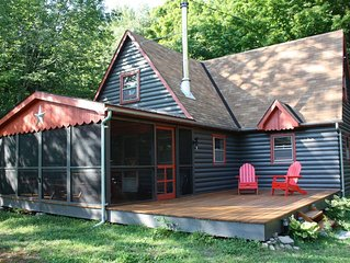 Bright And Cozy 1950's Catskill Cottage