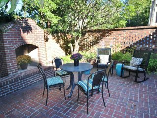 Exquisite Historic Home on Jones Street/Large Courtyard/2-parking sp./SVR#00488