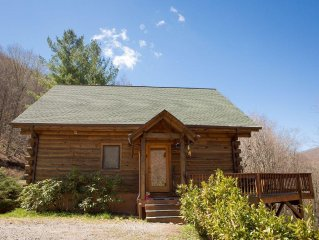 Charming Warm and Cozy Cabin Near Cataloochee Ski and Ranch with Game Room!