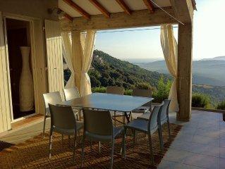 Sollacaro: Villa contemporaine vue panoramique mer et montagne.